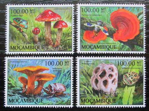 Poštovní známky Mosambik 2015 Houby Mi# 8889-92 Kat 22€