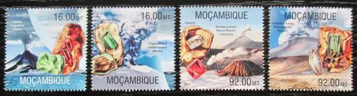 Poštovní známky Mosambik 2013 Sopky a minerály Mi# 6637-40 Kat 13€