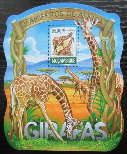 Poštovní známka Mosambik 2015 Žirafy Mi# Block 1032 Kat 10€