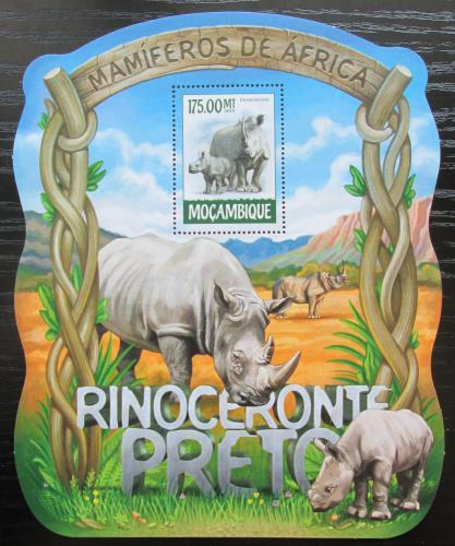 Poštovní známka Mosambik 2015 Nosorožci Mi# Block 1033 Kat 10€