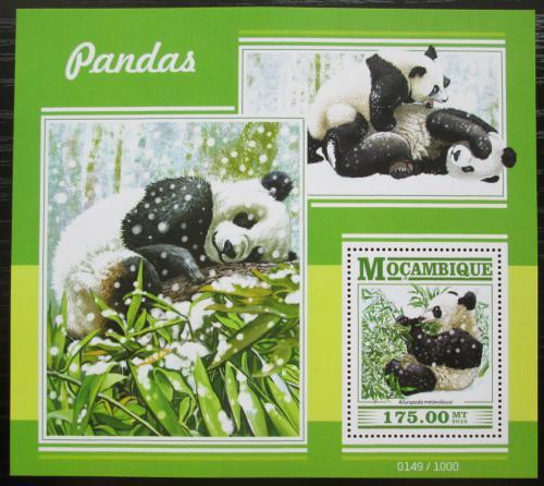 Poštovní známka Mosambik 2015 Pandy Mi# Block 1042 Kat 10€