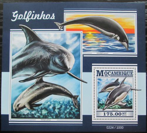 Poštovní známka Mosambik 2015 Delfíni Mi# Block 1075 Kat 10€