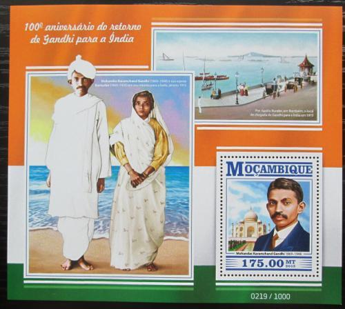 Poštovní známka Mosambik 2015 Mahátma Gándhí Mi# Block 1059 Kat 10€