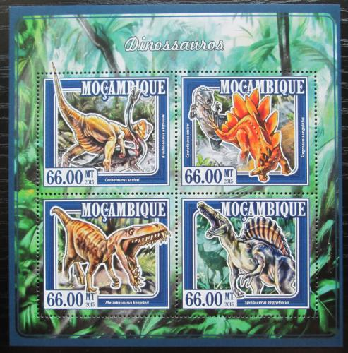 Poštovní známky Mosambik 2015 Dinosauøi Mi# 7700-03 Kat 15€