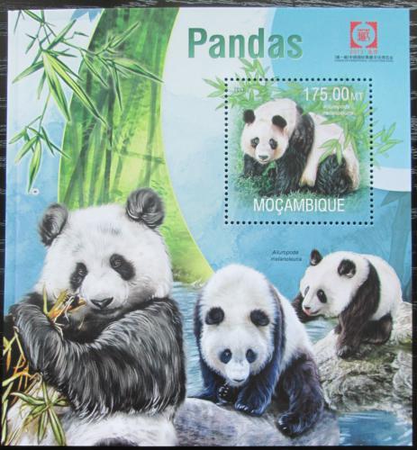 Poštovní známka Mosambik 2013 Pandy Mi# Block 778 Kat 10€