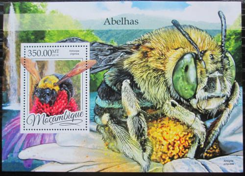 Poštovní známka Mosambik 2016 Vèely Mi# Block 1163 Kat 20€