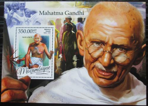 Poštovní známka Mosambik 2016 Mahátma Gándhí Mi# Block 1177 Kat 20€