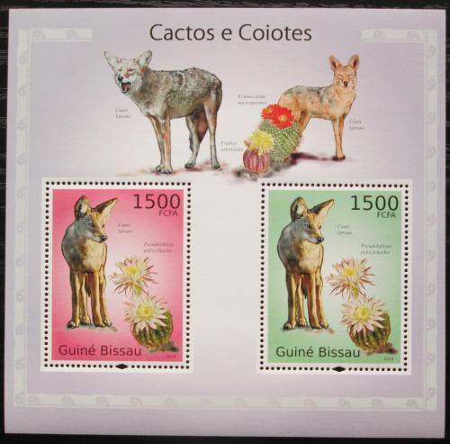 Poštovní známky Guinea-Bissau 2010 Kojoti a kaktusy Mi# Block 865 Kat 12€