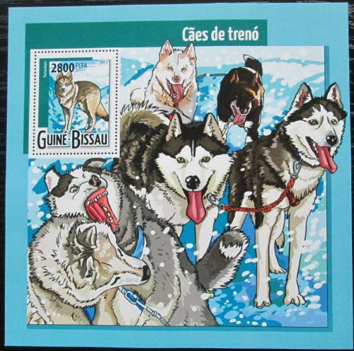 Poštovní známka Guinea-Bissau 2015 Tažní psi Mi# Block 1385 Kat 11€