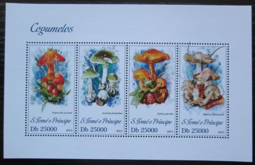 Poštovní známky Svatý Tomáš 2013 Houby Mi# 5171-74 Kat 10€