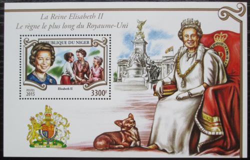 Poštovní známka Niger 2015 Královna Alžbìta II. Mi# Block 470 Kat 13€