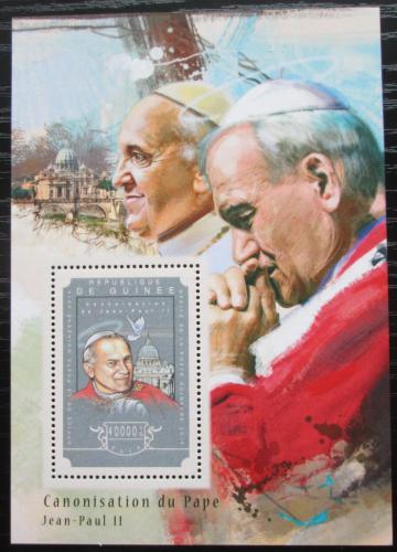 Poštovní známka Guinea 2014 Papež Jan Pavel II. Mi# Block 2464 Kat 16€