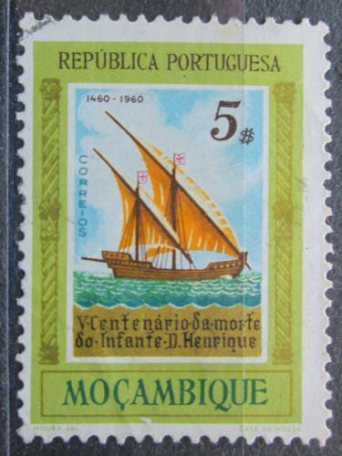 Poštovní známka Mosambik 1960 Karavela z 15. století Mi# 458