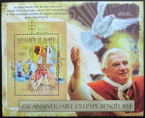 Poštovní známka Guinea 2012 Papež Benedikt Mi# Block 2132 Kat 16€