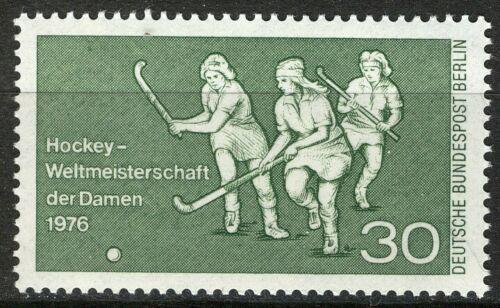 Poštovní známka Západní Berlín 1976 Ženský pozemní hokej Mi# 521